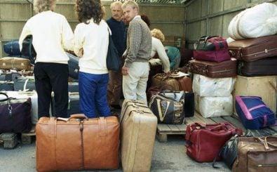 Aussiedler kommen im Juni 1988 in Deutschland an. Foto: Bundesarchiv B145 Bild-F079036-0033 CC BY-SA 3.0 de | Bundesarchiv / wikipedia.org