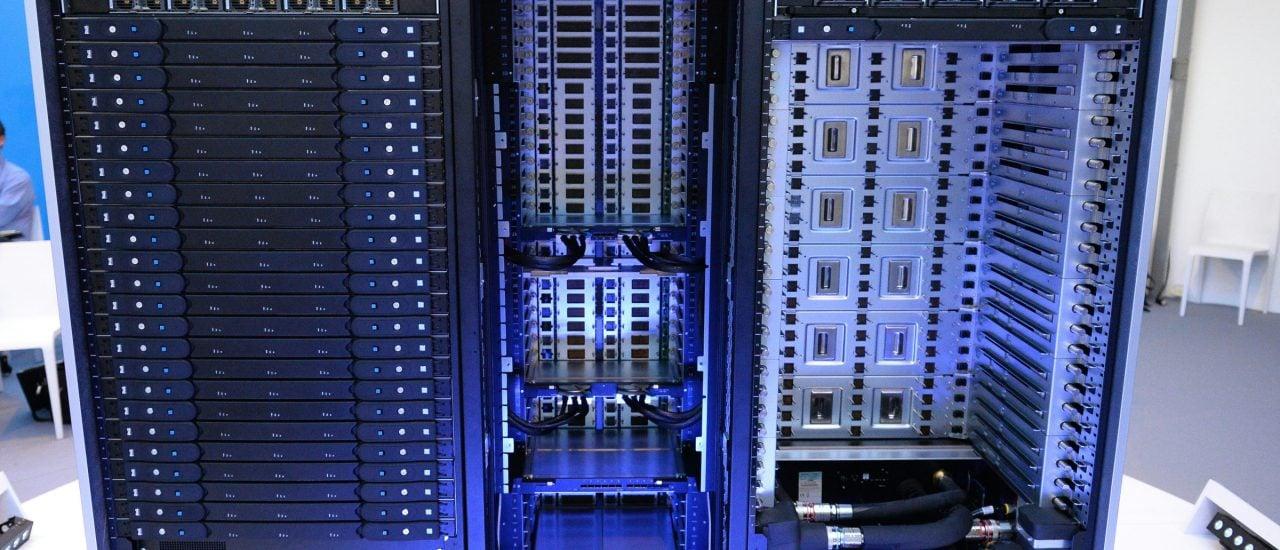 Teile eines Supercomputers. Dieses Modell steht in Frankreich. Foto: APF Forum | Eric Piermont | AFP