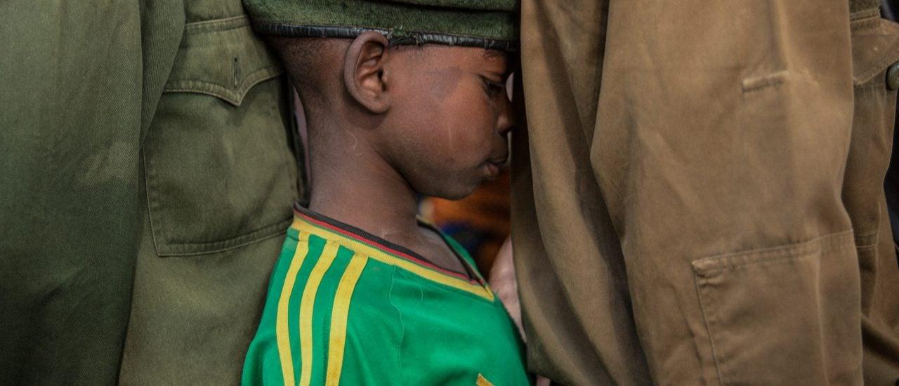 In Yambio, im Südsudan wurden Anfang 2018 über 300 Kindersoldaten freigelassen, so wie dieser Junge. Foto: Stefanie Glinski | AFP