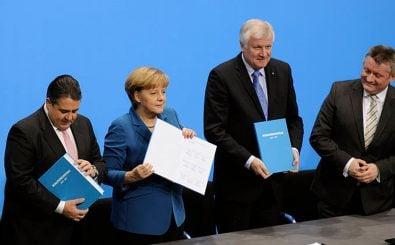 Union und SPD präsentieren 2013 den Koalitionsvertrag. Umfang des Papieres: 134 Seiten.