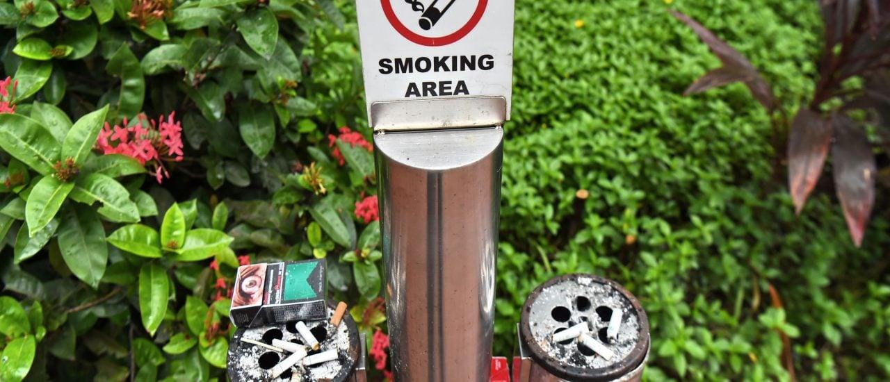 Deutschland ist ein einziger Raucherbereich – in vielen Gaststätten und auch auf Werbeplakaten. Roslan Rahmann | AFP