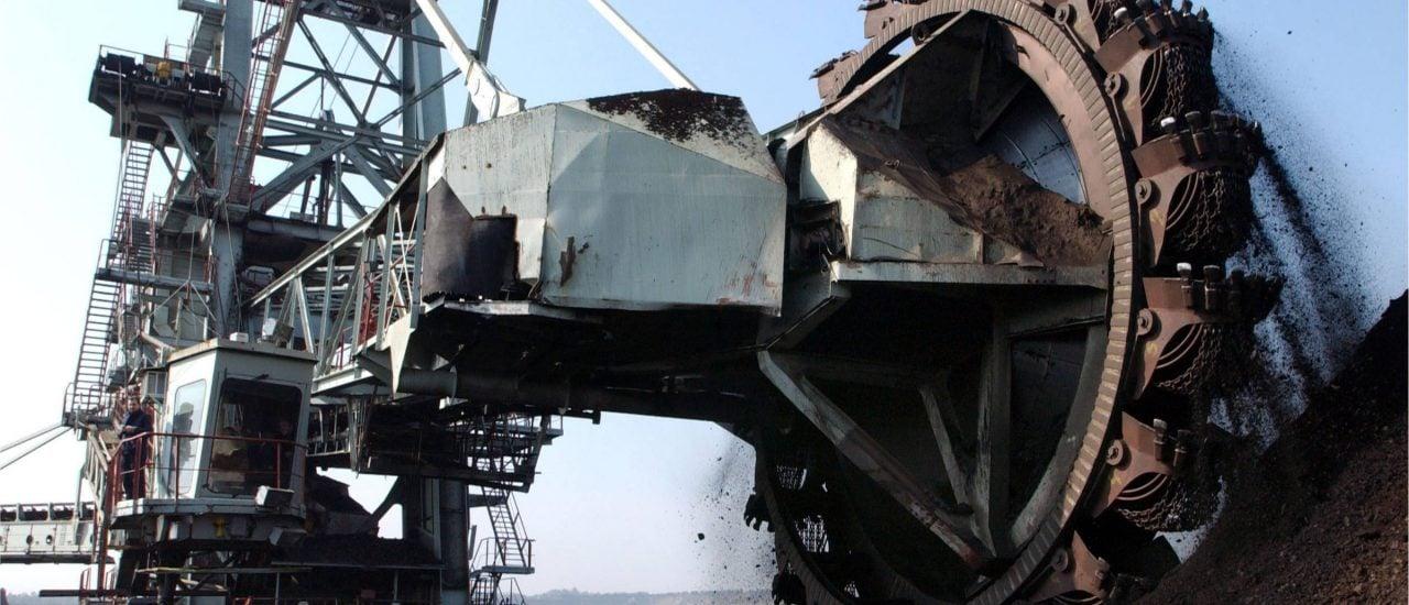 Tagebau ade? Seit heute berät die Kohlekommission über den Kohleausstieg, Jobs und Umweltschutz. Foto: bibiphoto | shutterstock