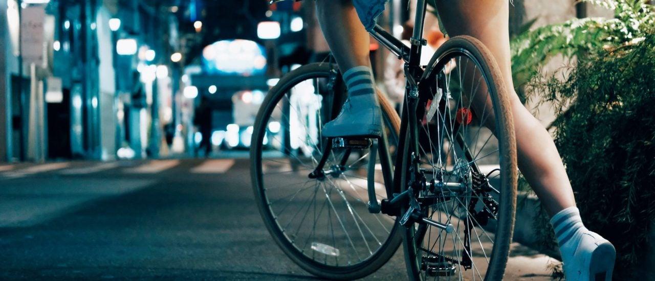 Viele Frauen kommen nach Jens Klötzer auch ganz wunderbar mit einem Standardrad zurecht. Foto: Louis Lo | Unsplash