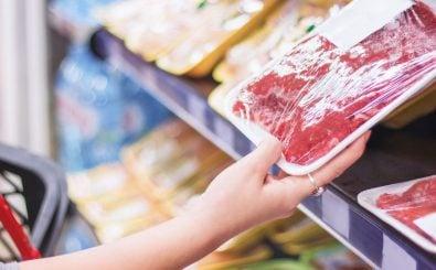 Endlich transparenter? Tierhaltung bei Fleischprodukten. Foto: Aleksandar Karanov | shutterstock.de