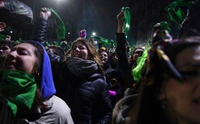 Abtreibungsbefürworter in Argentinien sind enttäuscht. Foto: Eitan Abramovich | AFP