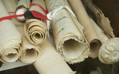 Mehrere tausend Schriftrollen wurden in der antiken Bibliothek gelagert. Foto: Eyesee Microstock | Shutterstock