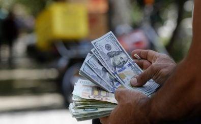 Sanktionen schwächen häufig die lokale Währung. Foto: Atta Kenare | AFP