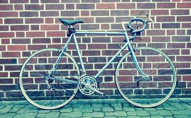 Schick und günstig: ein Vintage-Rennrad. Foto: Markus Spiske | pexels.com
