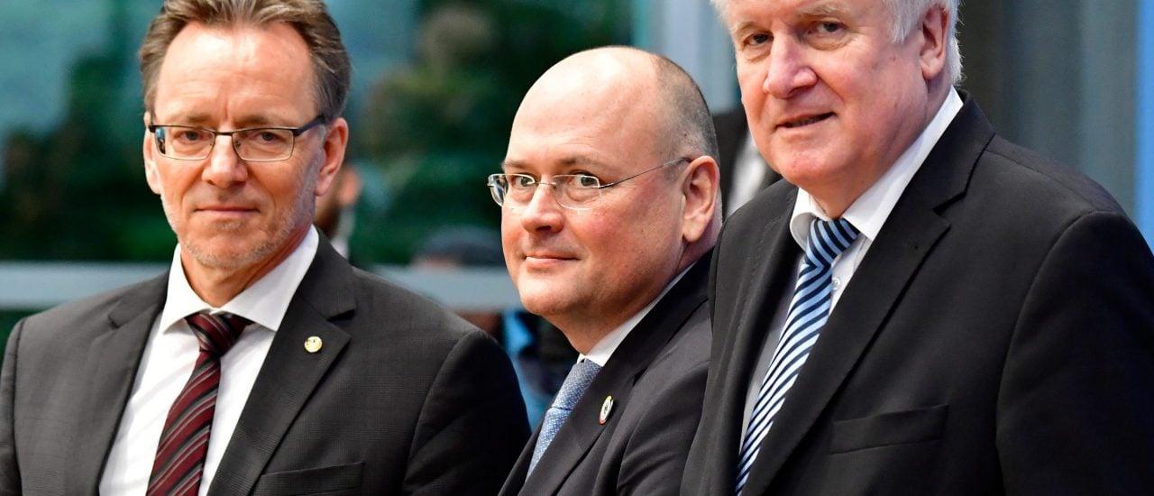 Als Konsequenz für das Doxing Ende letzten Jahres hat Innenminister Horst Seehofer die Einführung eines Frühwarnsystems vorgeschlagen. Foto: Tobias Schwarz | AFP