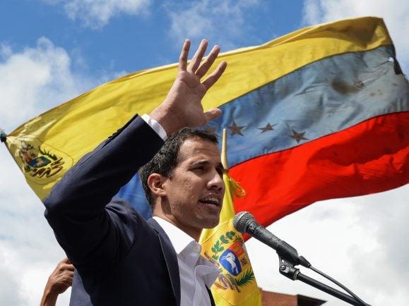 Guaidó hat sich selbst zum Übergangspräsidenten in Venezuela ernannt.