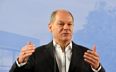 Finanzminister Olaf Scholz hält an der Schwarzen Null fest. Foto: John MacDougall | AFP