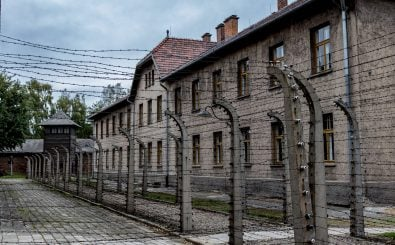 Die Gedenkstätte Auschwitz-Birkenau ist heute staatliches Museum zum Gedenken an die Opfer des Nationalsozialismus. Foto: FrankShot | Shutterstock