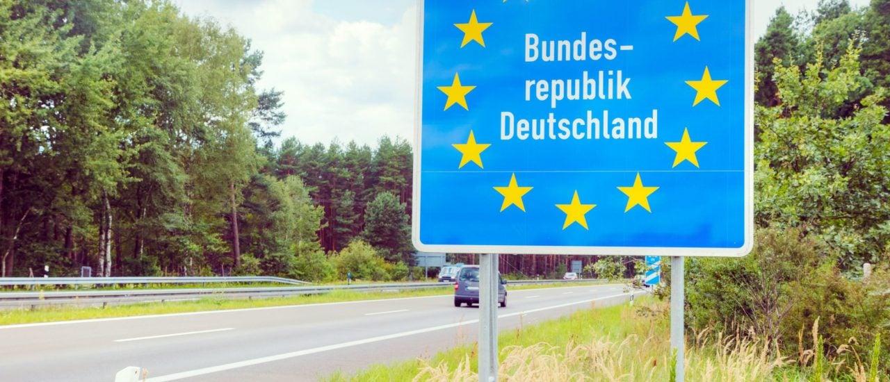 Innerhalb Deutschlands dürfen sich alle Deutschen grundsätzlich frei bewegen. Foto: photo.ua / Shutterstock.com