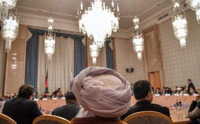 Die Friedensverhandlungen zwischen Taliban und afghanischen Politikern sollen positiv verlaufen sein. Foto: YURI KADOBNOV | AFP