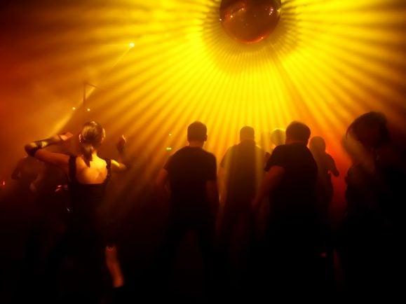 """""""Electronic Germany"""" dokumentiert die Entwicklung der Clubkultur und Technoszene. Foto: dwphotos/Shutterstock"""