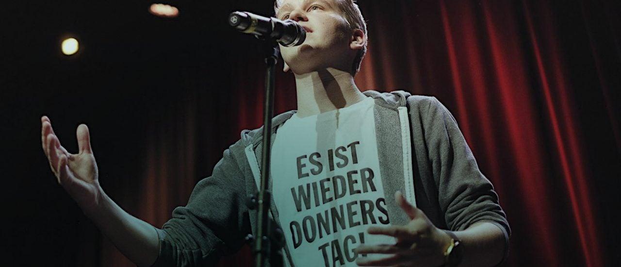 Yannick Steinkellner slammt auch gerne mal in fremden Zungen. Foto: privat | Marvin Ruppert