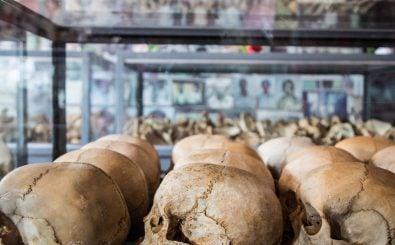 Die Erinnerungsstätte in Kigali zeigt Schädel der Opfer des Genozids 1994. Foto: Jacques Nkinzingabo | AFP