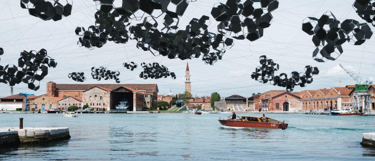 Arbeit von Tomás Saraceno zur 58. Internationalen Kunstausstellung Biennale Venedig im Arsenale. Foto: | Wolfgang Stahr