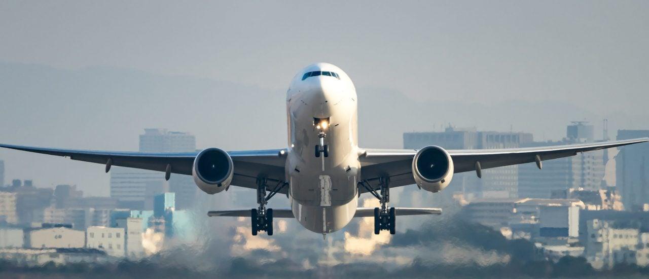 Beim Aviation Summit besprechen Vertreter der Luftfahrt, wie es weiter gehen soll. Foto: motive 56 | shutterstock.com