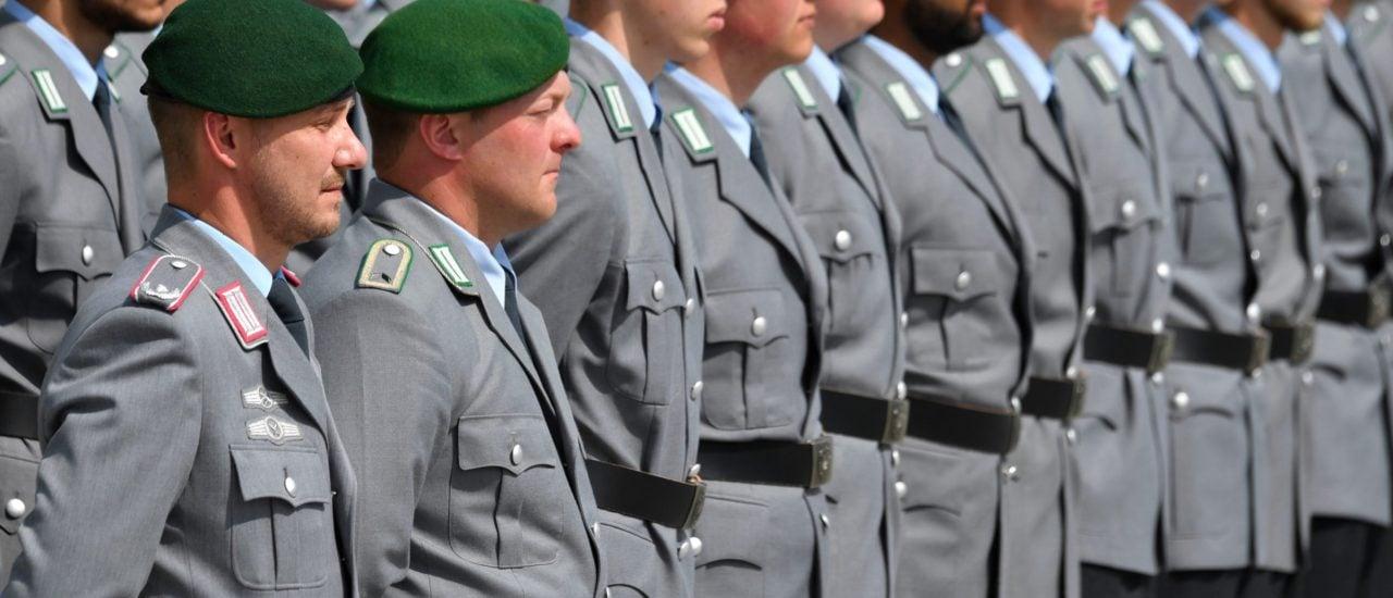 Neue Rekruten der Bundeswehr. Foto: John MacDougall / AFP