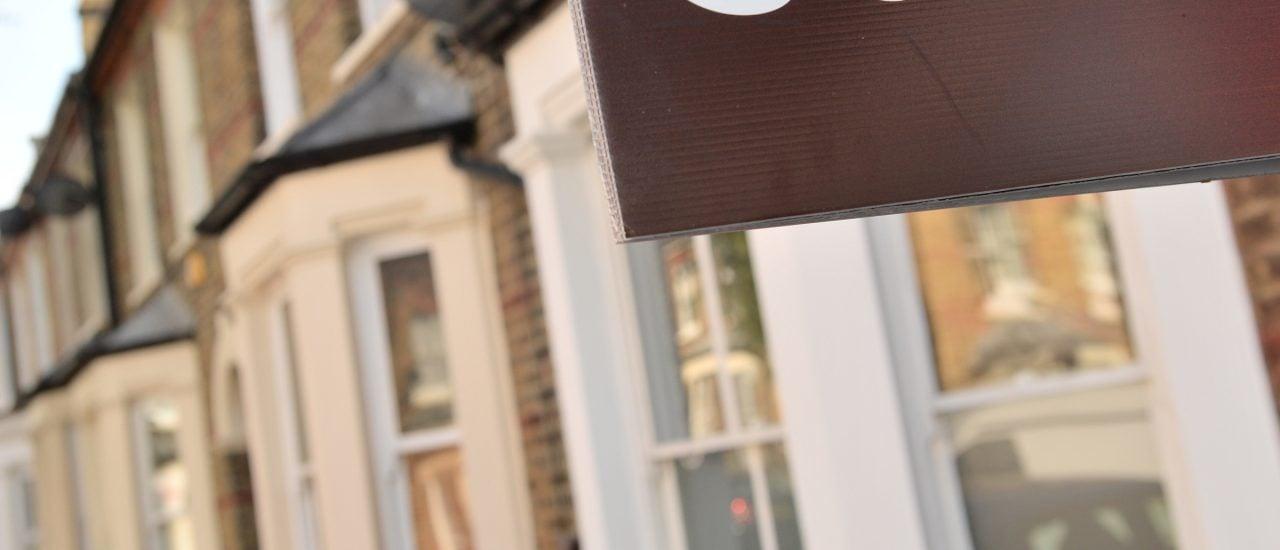 Vor allem der Immobilienmarkt ist ein beliebter Ort, um kriminelles Vermögen zu waschen. | Chris Ratcliffe / AFP
