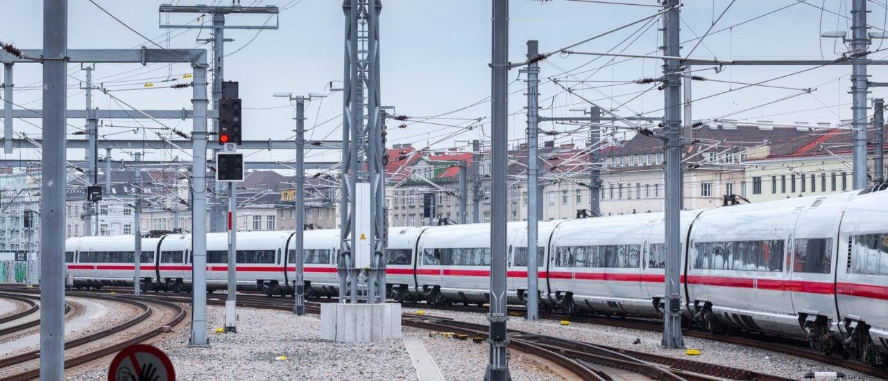 Ein ICE der Deutschen Bahn. Foto: Slavko Sereda / shutterstock.com