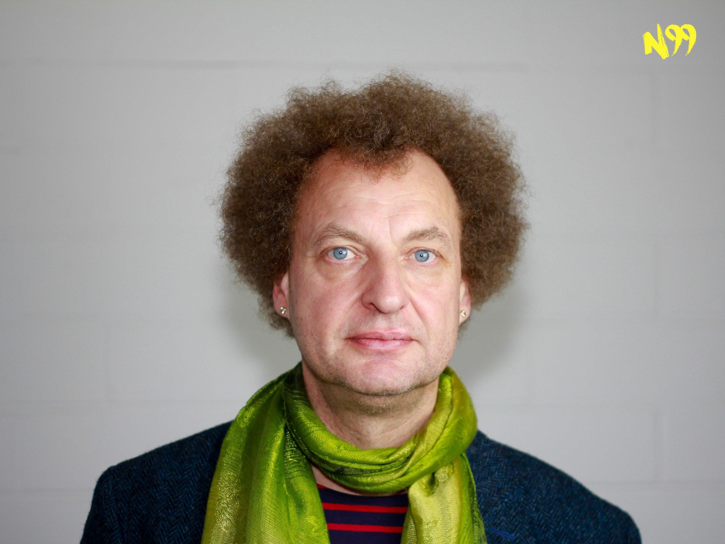 """N99   Jan Peter Bremer über Kommunikationsprobleme – """"Ich wollte einen unendlichen Streit inszenieren""""   detektor.fm"""