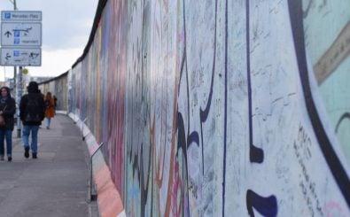 Die alte Berliner Mauer an der East Side Gallery. Foto: Linquedes | shutterstock.com