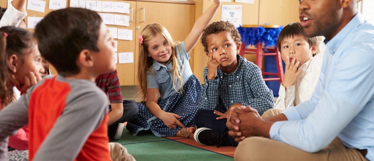 Die Kultusminister der Länder haben sich verrechnet: Der Lehrkräftemangel ist größer als gedacht. Foto: Monkey Business Images | Shutterstock
