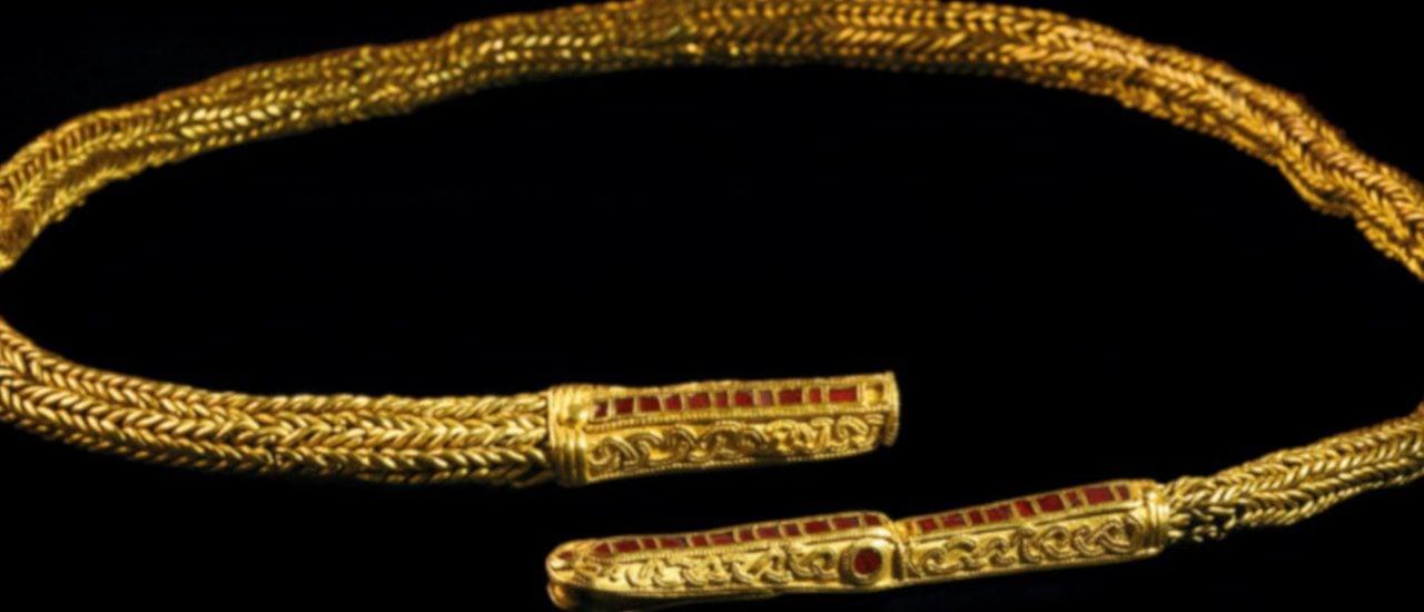 Halsschmuck aus Gold und Halbedelsteinen (Goldkette von Isenbüttel) Isenbüttel, Ldkr. Gifhorn, 7. Jh. Foto: | © Landesmuseum Hannover
