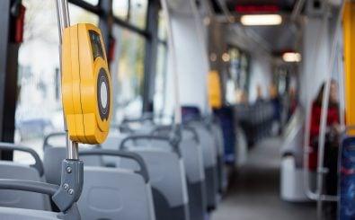Das neue Transparenzregister für den ÖPNV ermöglicht es künftig die Leistungen des Öffentlichen Personennahverkehrs zu vergleichen. Foto: Kaspars Grinvalds | shutterstock.com