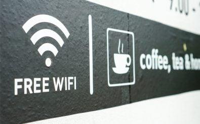 Wer in öffentlichen Hotspots surft, wird unter Umständen zu einem leichten Ziel für Hacker. Foto: Anstang / shutterstock.com