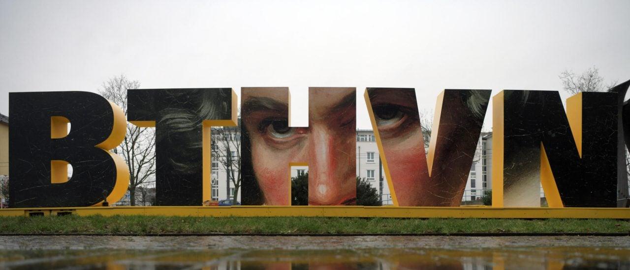 In seiner Geburtsstadt Bonn ist Beethoven 2020 nicht zu übersehen. (Photo by INA FASSBENDER / AFP)
