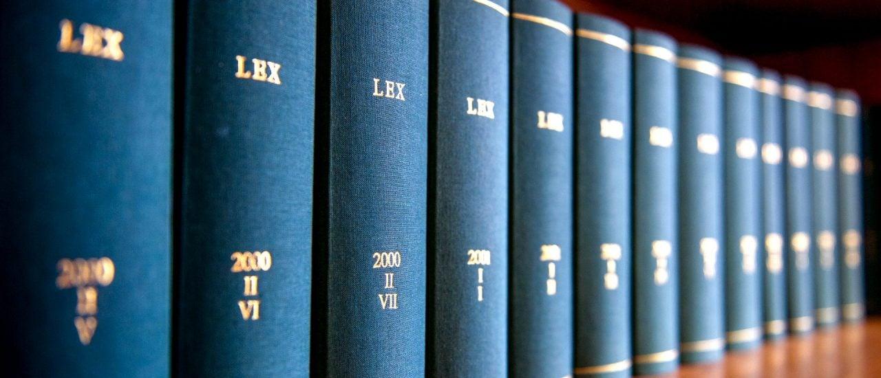 Welches Recht gilt auch weiterhin, was tritt außer Kraft? Foto: Paolo Bona / shutterstock.com