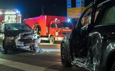 Etwa 3000 Menschen sterben jedes Jahr bei Verkehrsunfällen in Deutschland. Foto: Ronald Rampsch / shutterstock.com