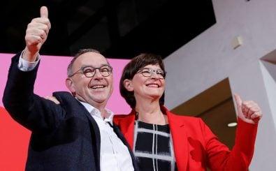 Hoffnungsträger für die einen, Instabilitätsfaktoren für die anderen: Das neue SPD-Spitzenduo Saskia Esken und Norbert Walter-Borjans. Foto: Axel Schmidt | AFP