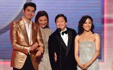 """Der Cast von """"Crazy Rich Asians"""". Foto: Frederic J. Brown / AFP"""