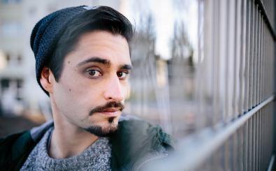 Slam Poet, Humorist, Artikulations- und Wortakrobat Nektarios Vlachopoulos