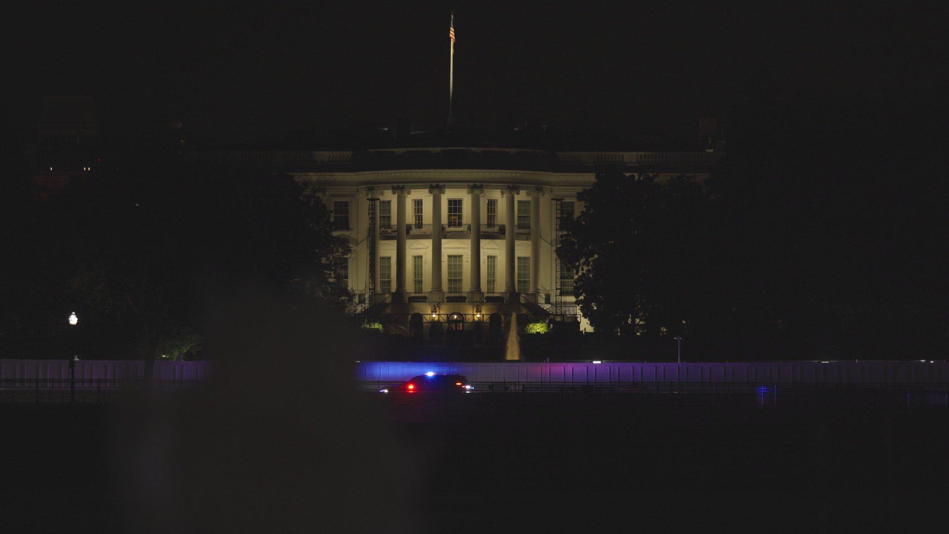 "Was läuft heute? | Moonbase 8, Forte, Amerikas neuer Präsident – ""Back to normal"" in den USA?! | detektor.fm – Das Podcast-Radio"