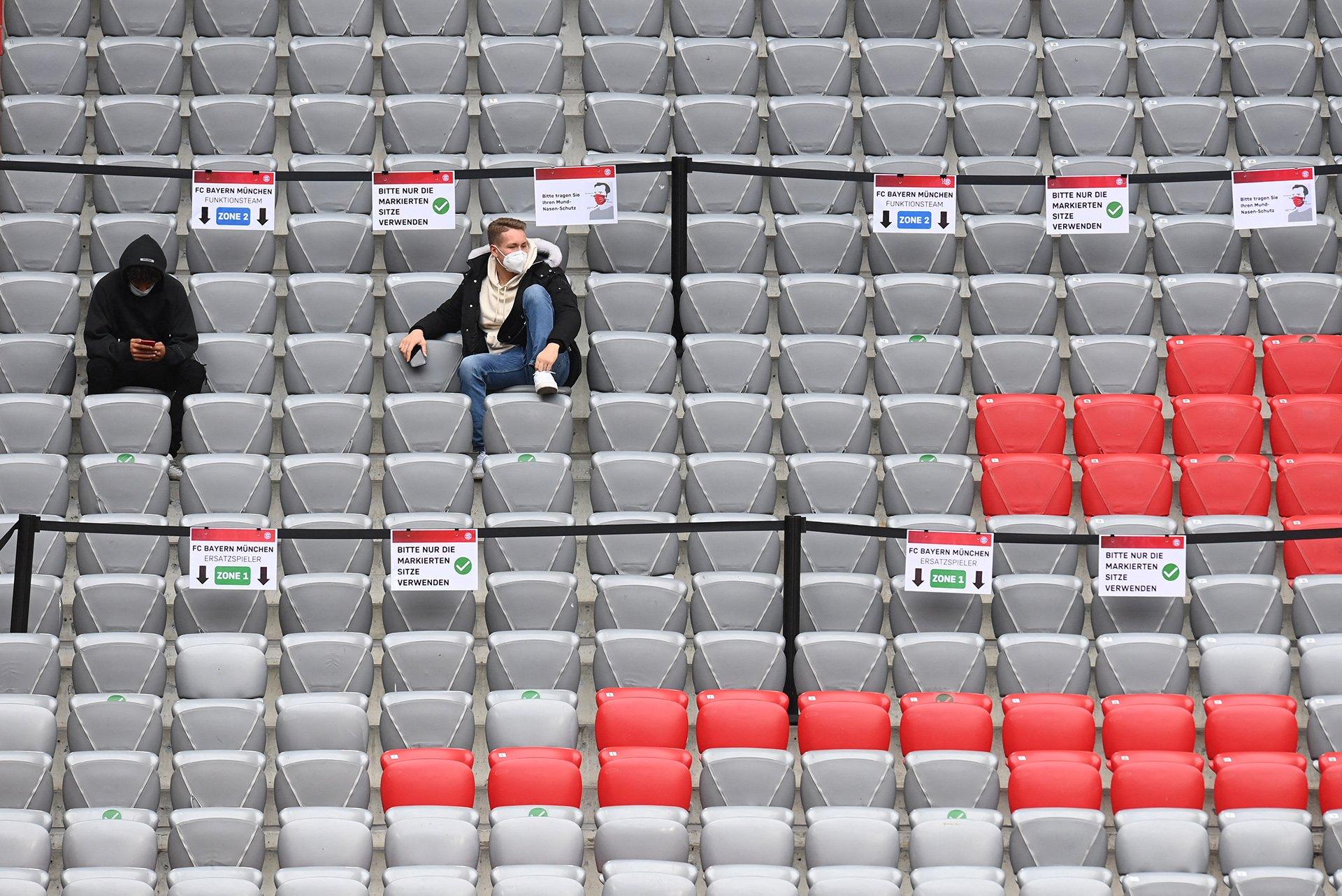 Zurück zum Thema | Fußball und Corona – Verliert der Fußball das Vertrauen der Fans? | detektor.fm – Das Podcast-Radio