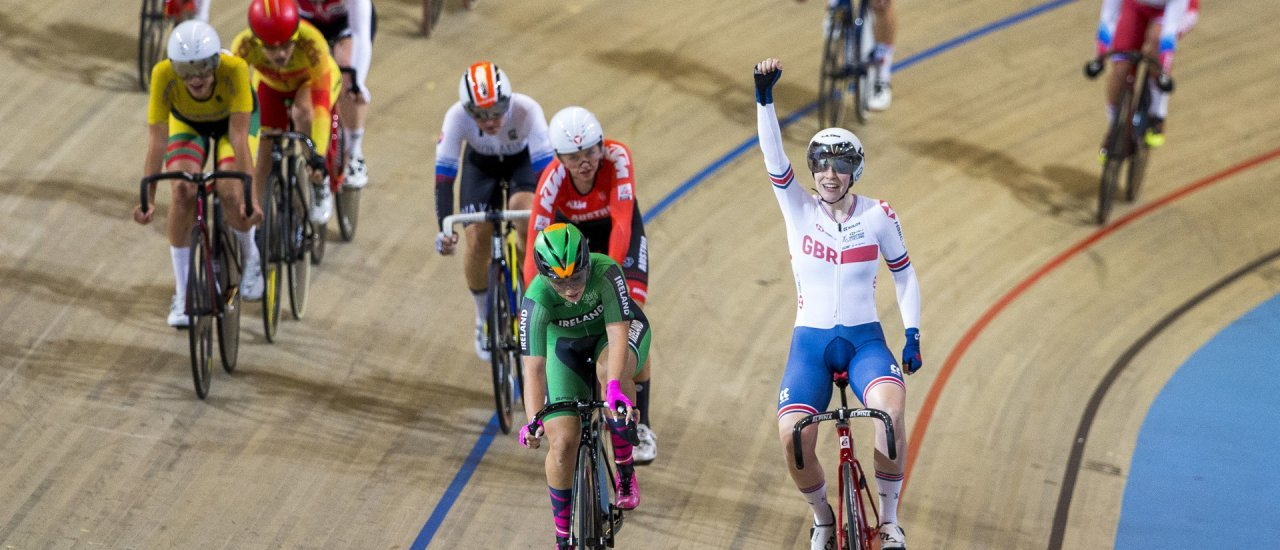 British Emily Nelson (R) celebrates after winning the women's scratch final at the European track cycling championship in Apeldoorn, on October 16, 2019. (Photo by Vincent Jannink / ANP / AFP) / Netherlands OUT