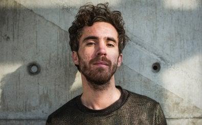 Julian Heun ist Poetry-Slammer, Moderator, Autor und DJ.
