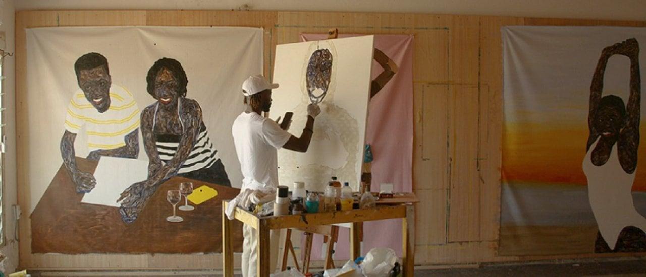 Foto: Amoako Boafo in seinem Atelier in Accra / Ghana. (© Monopol)
